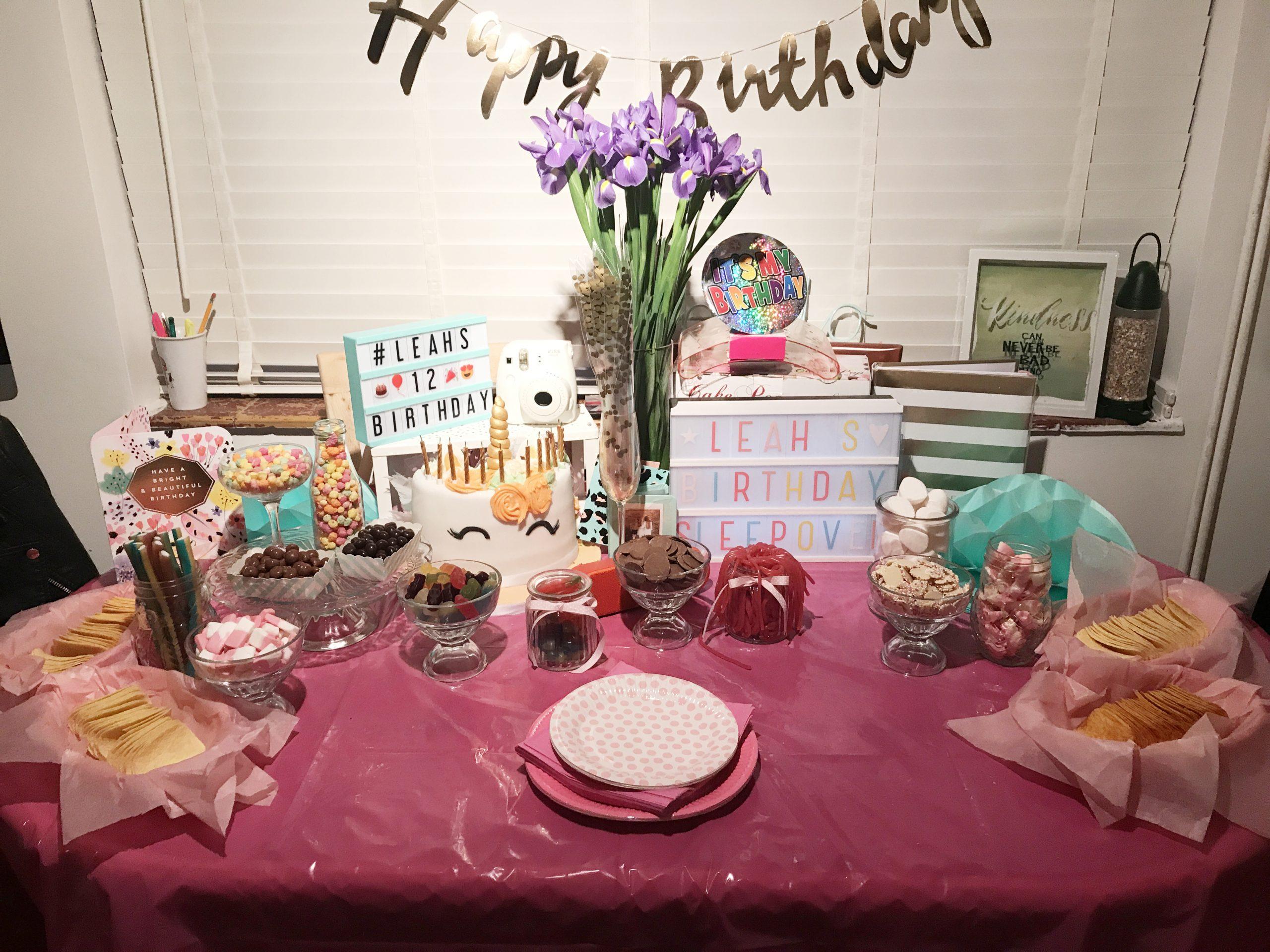 Photo Party London, Ultimate Sleepover, Sweet Table, Unicorn cake,