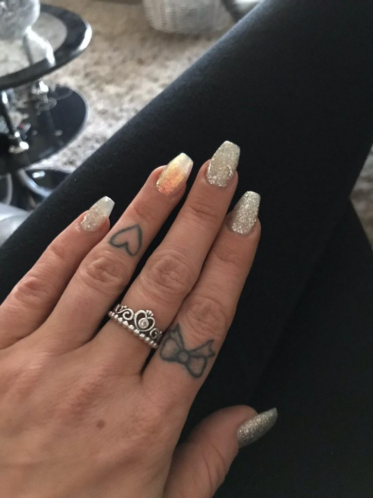 Summer Silver Glitter Acrylic Nails, Peach Glitter Ring Finger, Summer Acrylic Nails, Photo Party London, Bromley, Silver Sparkle Nails